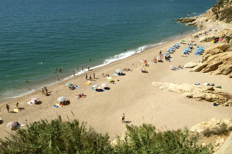 Las-Rocas-Beach-Calella