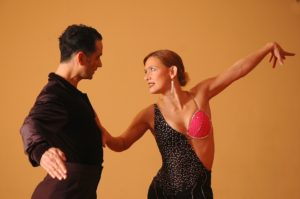 dancing salsa benidorm stay fit fitness bailar salsa estar en forma