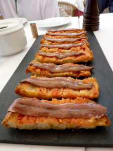 Pa amb tomata Breat Tomatoe Pamtumaca Catalan Food Typical Tipico comida catalana anchoas anchovies