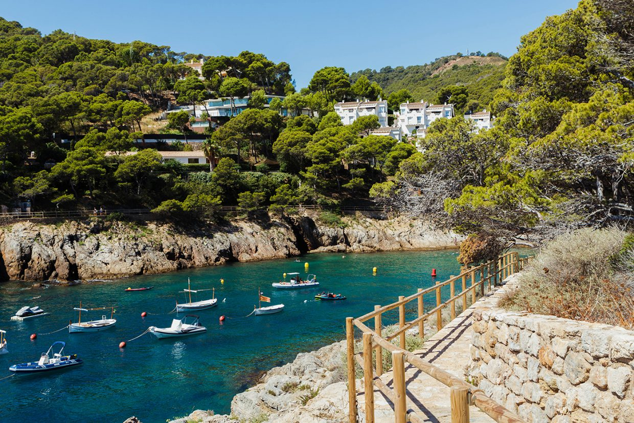 Discover the Costa Brava through the Camí de Ronda